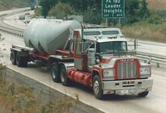 Mack R sleeper, Dunford (PAcarhauler) Tags: mack semi truck tractor trailer