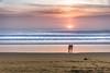 Un soir le rideau tombe (Fabrice Le Coq) Tags: vert bleu orange mer vagues océan soleil coucher sable eau nuages silouhètes