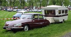 DSuper (Schwanzus_Longus) Tags: bruchhausen vilsen german germany french france old classic vintage car vehicle citroën sedsn saloon ds dsuper d super camping trailer