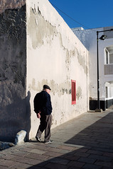 S.T (gregorsamsa_e510) Tags: fuji fujix100 grancanaria islascanarias streetphoto street spring callejera candid