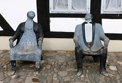 Art @ Goslar (Rick & Bart) Tags: goslar germany deutschland niedersachsen city urban rickvink rickbart canon eos70d historic architecture unescoworldheritagesite street streetphotography sculpture statue art verakeune