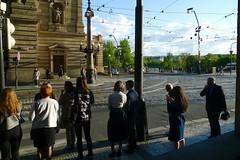 Narodni 2 Praha (Ken-Zan) Tags: narodni praha reds kenzan street ljunghav waiting people moldau