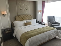 Grand Deluxe Room - St Regis Singapour (travelguys1) Tags: stregis stregissingapour hotel luxuryhotel spg spglife starwood