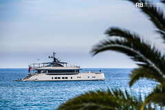 Jetsetter - 39m - Dynamiq (Raphaël Belly Photography) Tags: rb raphaël monaco raphael belly photographie photography yacht boat bateau superyacht my yachts ship ships vessel vessels sea motor mer m meters meter jetsetter dynamiq 39m 39 blanc white bianco