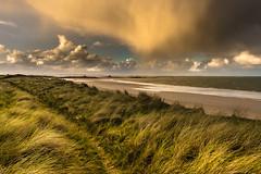 Far ouest in Brittany (yann2649) Tags: brittany finistére bretagne jaune orage sea mer seasacape plage beach silhouette gr34 storm orange keremma