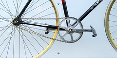 Cycles_214_N°040_2018_Peugeot_Piste_1984_Photos_008 (wapdawap - Cycles 214) Tags: peugeot michelin shell columbus mavic cinelli simplex stronglight 107 san marco concor piste pista gp4 520 izumi vintage cycles bruno thouroude service course made france handmade team velodrome