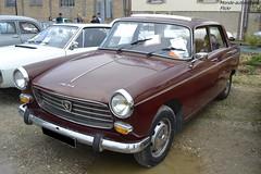 Peugeot 404 (Monde-Auto Passion Photos) Tags: voiture vehicule auto automobile peugeot 404 berline red rouge ancienne classique rare rareté rassemblement evenement france courtenay