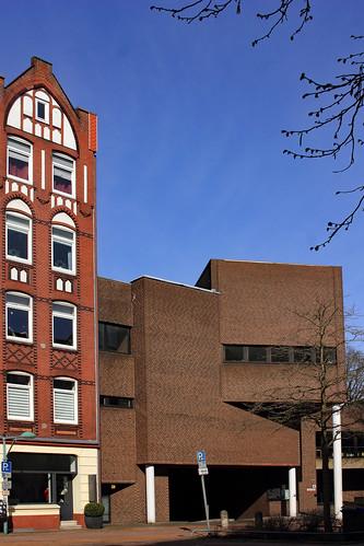 "St. Lukas Kirche, Kiel-Wik (16) • <a style=""font-size:0.8em;"" href=""http://www.flickr.com/photos/69570948@N04/26819633457/"" target=""_blank"">View on Flickr</a>"