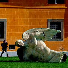 Fallen Angel in Pisa (pom'.) Tags: pisa toscana italia italy april 2018 sculpture panasonicdmctz101 europeanunion igormitoraj campodeimiracoli fallenangel angel angelocaduto angelo 100 200 tuscany 300 5000