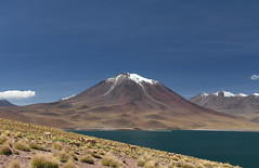 Laguna Miscanti, Chile (Luís Biggi) Tags: lagunamiscanti lagunamiñiques lake reservanacionallosflamencos vicunha vulcán volcano chile deserto atacama andes nikon nikond7500 nikonafs16~35mmf4gedvr