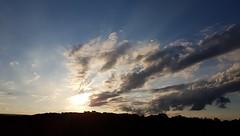 NADA DE ESPECIAL, EXCETO UM FIM DE TARDE... Série: Clicou, postou. 😁😊😁 (carlos.ufmg) Tags: sunset evening sky clouds nuvens galaxy samsung s7edge brazil carobrod 2018 entardecer paisagem landscape