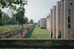 (victortsu) Tags: 2017 architecture castle chateau châteaudevincennes châteaufort fortress france moyenâge paris ricohgr vacances victortsu