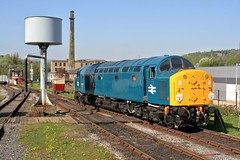 """40012 """"Aureol"""" at Rawtenstall (Strategic Reserve Films - Rory Lushman) Tags: 40012 aureol class40 cfps classfortypreservationsociety elr eastlancsrailway rawtenstall whistler bucket diesel ee englishelectric"""