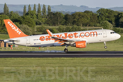 Easyjet G-EZOK 13-5-2018 (Enda Burke) Tags: gezok easyjet ezy avgeek aviation airplane av8 aero airport avp aviationviewingpark arrival airbus a320 airbusa320 canon canon7dmk2 cockpit manchesterairport manchester man manc manairport manchesterrunwayvisitorpark manchestercity canon700d runway ringway travel takeoff taxiing taxiway terminal1 terminal3 t3carpark landing landingear