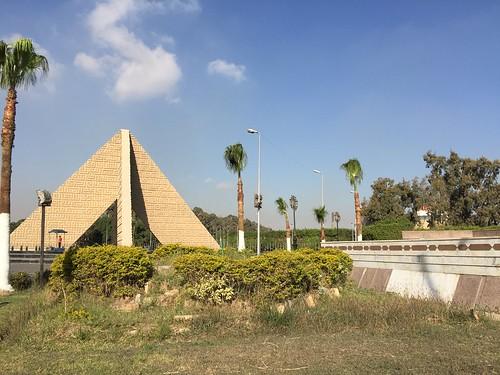 20180214與爸爸參加鳳凰旅遊-埃及紅海法老12天-開羅博物館 木乃伊室 吉薩金字塔 太陽船博物館