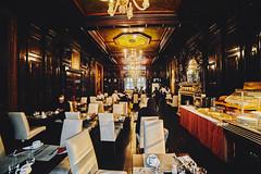 Hotel Breakfast Room in London (PhotoChampions) Tags: room breakfast raum frühstück london city urban uk england unitedkingdom grosbritannien