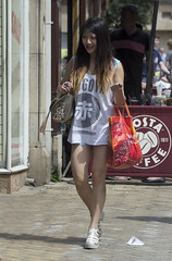 Fashion & Style, Stamford (dagomir.oniwenko1) Tags: stamford england uk street style sigma summer canon candid canoneos60d color dress dresses fashion mode girl girls woman female humans people portrait costa asia asian