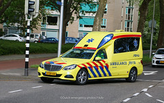Dutch ambulance Mercedes E class (Dutch emergency photos) Tags: ambu ambulance ambulans ambulanz nederland nederlands nederlandse dutch holland netherlands mercedes merc 911 999 112 emergency vehicle car van e klasse class utrecht region 09 09118 2tzr68