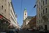 Westbahnstraße und Schottenfelder Kirche (Wolfgang Bazer) Tags: schottenfelder kirche st laurenz am schottenfeld neubau pfarrkirche parish church wien vienna österreich austria