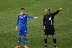 "The Iceland player and the referee each know which way is ""left"" (Hazboy) Tags: hazboy hazboy1 island peru iceland friendly game match football soccer futbol red bull arena harrison nj new jersey march 2018"
