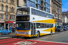 E&M Horsburgh, Pumpherston T200EMH (busmanscotland) Tags: lx04fyv lx04 fyv em horsburgh pumpherston dennis trident alexander alx400 stagecoach east london 18252 t200emh t200 emh