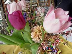 Osterstrauß (onnola) Tags: berlin deutschland germany frühling spring blume blüte flower blossom tulpe tulip kreuzberg blumenstraus bouquet hyazinthe jasmin ostern easter