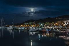 Plenilunio di Primavera (Nunzio Pascale) Tags: noche notturno porticciolodilaccoameno barche plenilunio full moon