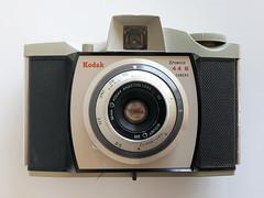 Kodak Brownie 44B (pho-Tony) Tags: 127 photosofcameras kodakbrownie44b kodak brownie 44b kodakbrownie 4cm 4cmx4cm dakon dakonlensmount320 grey gray plastic