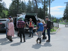 Neil walks participants through GPS basics (BC Wildlife Federation's WEP) Tags: peachland mapourmarshes wetland workshop rosevalley education citizenscience classification pwpa bcwf wep wetlandseducationprogram