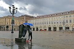 La fontana di Torino (claudio g) Tags: torino fontana pioggia cloudy nuvole temporale storm rain bambini childrens children piemonte italy italia huawei p10