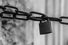 Laisse. (Canad Adry) Tags: sony e kit lens sel 1855mm oss noir et blanc black white lock rusty rust rouille bokeh chaînes chains a6000 mirrorless