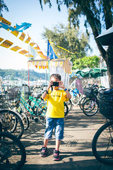 Little Photographer (JAY KJ) Tags: kid sweetheart cher child cheungchau hongkong f28 35mm d610 nikon