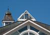 Rund und Eckig (krieger_horst) Tags: rügen seebrückesellin sellin dach