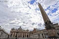 Piazza San Pietro (Luca Bobbiesi) Tags: vaticano roma basilica sanpietro architecture canoneos5dmarkiv canonef1740mmf4lusm
