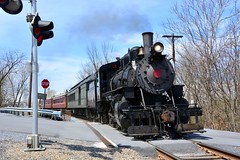 No. 11 at River Rd. Crossing. Hollidaysburg, pa (bobchesarek) Tags: everettrailroad everettoldnumber11 steamlocomotive engineer fireman conductor looproad hollidaysburgpa