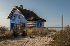 blue House on Graswarder-Heiligenhafen (mar_lies1107) Tags: graswarder ostsee heiligenhafen balticsea naturschutzgebiet abendsonne schleswigholstein