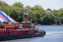 r_180509135_beat0037_a (Mitch Waxman) Tags: killvankull newyorkcity newyorkharbor tugboat newyork