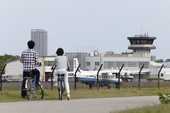 A SMALL AIRPORT, SOME PARKS AND CLOUDS - CLIV (Jussi Salmiakkinen (JUNJI SUDA)) Tags: chofu tokyo japan cityscape park airport sky aircraft wood airplane landscape tama 調布 飛行場 空港 林 森 空 武蔵野 多摩 東京 日本 風景 may clouds spring 2017 toukokuu turboprop dornier do228 takeoff
