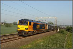 92043, Bugbrooke, 1M16 (Jason 87030) Tags: bugbrooke northants wcml farm birds morning sleeper fortwilliam inverness aberdeen londoneuston gbrf class92 dyson 92043 orange blue beds uk railways 1m16 canon eos train locomotive engine may 2018