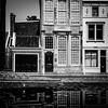 (Nico_1962) Tags: house houses huis huizen building gebouw leica summarit leicam nederland thenetherlands gouda holland bw zwartwit blackandwhite city stad urban town meetzoeker rangefinder vierkant square