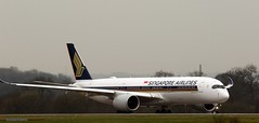 Singapore Airlines 9V-SMO J78A1311 (M0JRA) Tags: singapore airlines 9vsmo manchester airport planes flying jets biz aircraft pilot sky clouds runways
