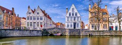 Bruges 2018 (10) (YᗩSᗰIᘉᗴ HᗴᘉS +14 000 000 thx) Tags: bruges hdr canal water blue bluesky panorama belgium europa aaa namuroise look photo friends be wow yasminehens interest intersting eu fr