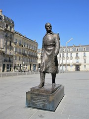 Jaques Chaban Delmes statue, Place Pey Berland, Bordeaux, France (Paul McClure DC) Tags: bordeaux france gironde july2017 nouvelleaquitaine historic architecture sculpture