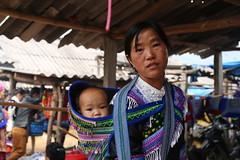 8N1A8375- VIETNAM vers Lao Cai le petit marché de Cao Son et ses ethnies richement vêtues (Lionel Corréia) Tags: asie asia asian vietnam vietnamnord nortvietnam vietnamscene scènesdevie ethnie