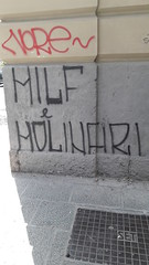 Concediti un extra!! (Casercani) Tags: caserta casercani molloch samsung milf molinari muro scritta spray extra cougar babe msm napoli viadepretis