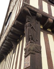 Glemsford 2015-09-02 at 16-31-52 (Riscemara) Tags: glemsford suffolk uk corner post carving angel house archangel michael