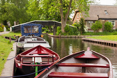 In Giethoorn, Netherlands (romanboed) Tags: leica m 240 summilux 50 europe netherlands holland dutch giethoorn travel architecture house home cottage boats