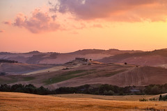 Valle d'orcia & Sunset (Luís Henrique Boucault) Tags: agriculture agriturismo background beautiful beauty bright colorful country countryside cypress dorcia dreamland environment europe european farm farmhouse farmland field hill house idyllic inspirational italian italy landscape light misty nature near old outdoor pastoral picturesque pienza plant residence rural scene scenery scenic sunrise sunset toscana travel tree tuscan tuscany typical vall