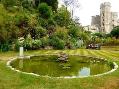 Windsor Castle Gardens. Lumix  DMC-TZ70. P1000643. (Robert.Pittman) Tags: panasonic lumixdmctz70 dmctz70 windsorcastle decorativegarden pond sculpture lawn bench windsor berkshire england gb uk sl41qf