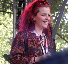 Lovely Smile (mikecogh) Tags: hackney botanicpark womadelaide 2018 evaquartet hungary singer smile happy content